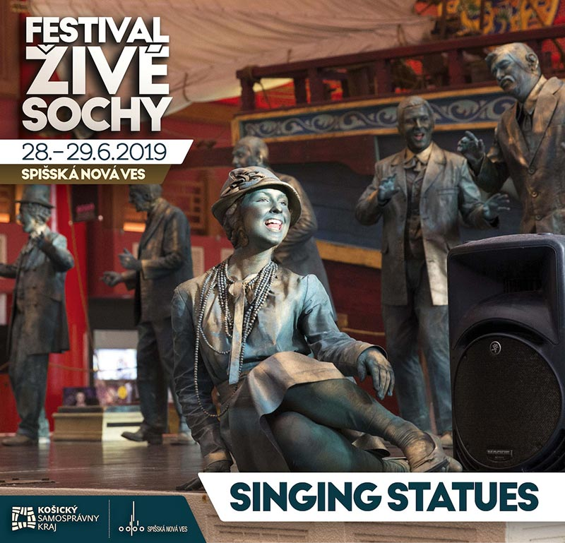 singing_statues