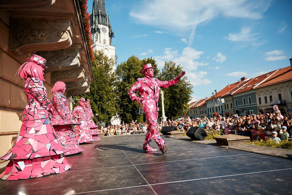 3. ročník medzinárodného festivalu Živé sochy, tisíce návštevníkov z celého Slovenska